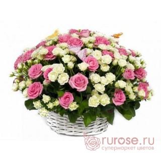 """Корзина с розами """"Весенний рассвет"""""""