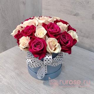 Цветы в коробке «Роберта»