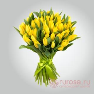 """Букет из 35 тюльпанов """"Солнечный дар"""""""