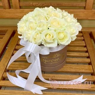 Розы в коробке «Велия»