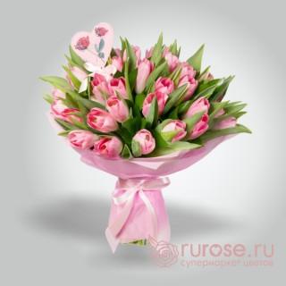 """Букет из 25 тюльпанов """"Сердечно"""""""