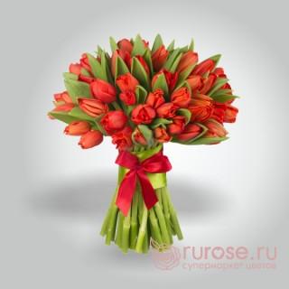 """Букет из 45 тюльпанов """"Красный день календаря"""""""