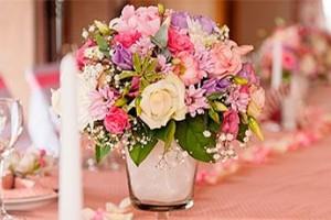 Как оформить свадьбу цветами?