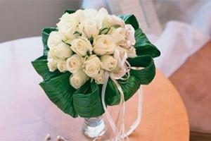 Как подобрать букет из живых цветов на свадьбу?