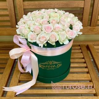 Розы в коробке «Инесса»