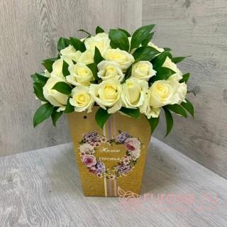 """Розы в коробке """"Истома"""""""