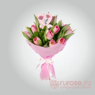 """Букет из 11 тюльпанов """"Маленький сюрприз"""""""