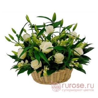"""Корзина с розами """"Объятия"""""""